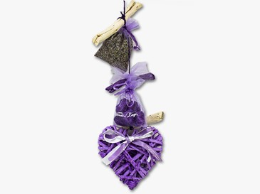 Chain with violet wooden heart
